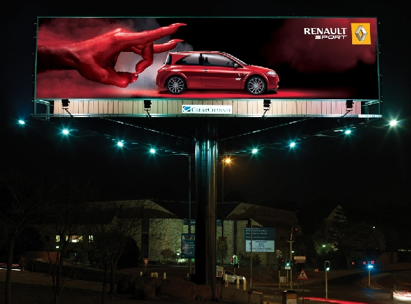 renault-wicked-Billboard-advertisements (1)